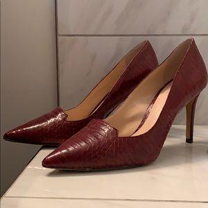 Barely worn Vince Camuto maroon heels